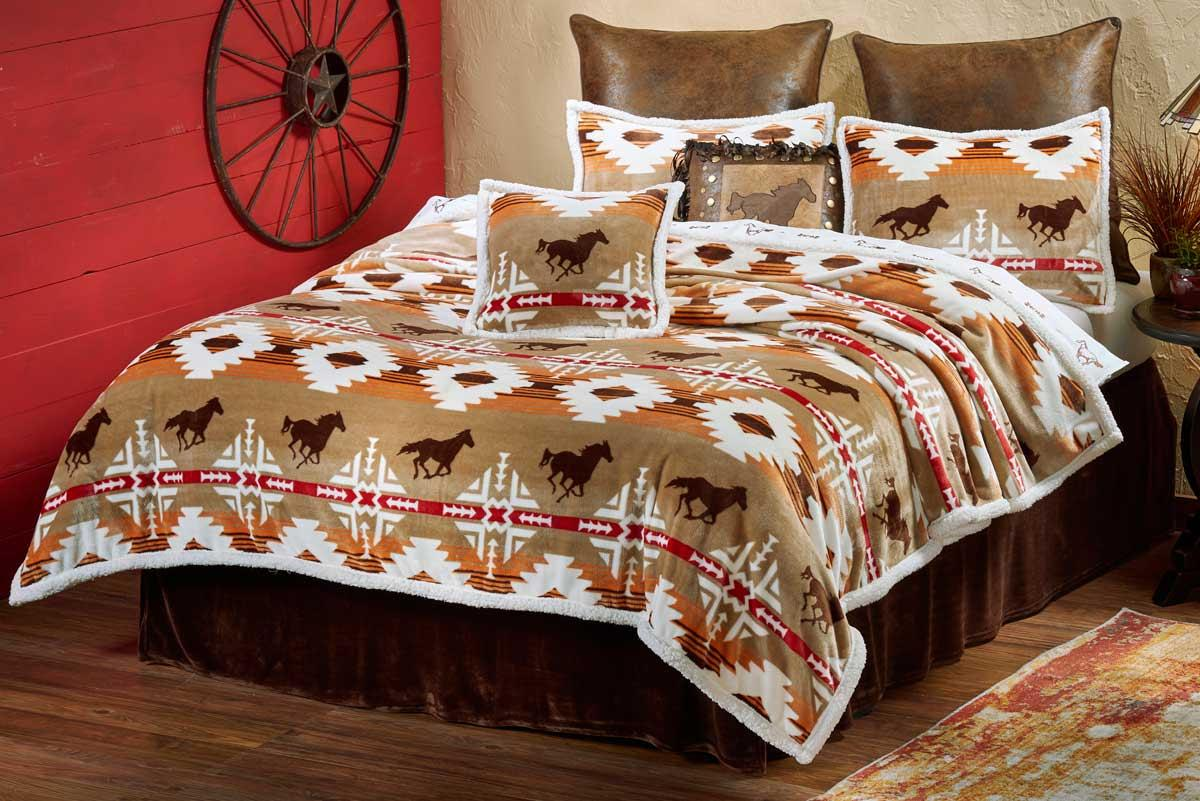 41402381SS:Roaming Free Bedding Collection