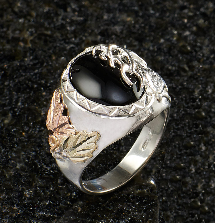 7505895466: Onyx Elk Men's Ring