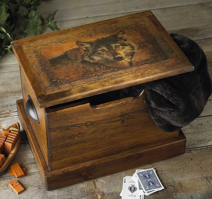 5946761571:Wolf Rustic Pine Trunk